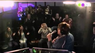 Lamme Frans - Skyfall Live bij Frank en Vrijdagshow