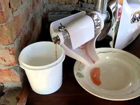 Сок из мяты, при помощи насадки ( соковыжималка) для мясорубки .