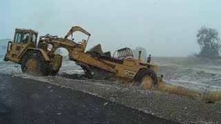 D9G And 637 Finishing The Hole Job In A Blizzard