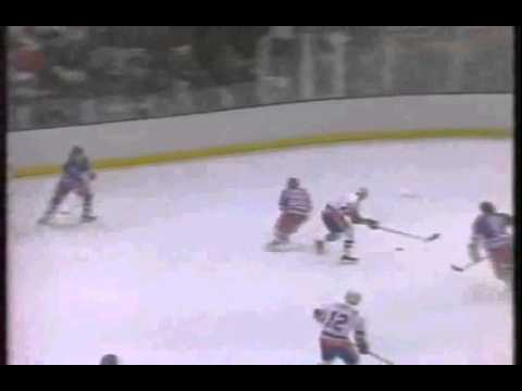 Game 5 1983 Patrick Division Final NYR @ NYI Bob Bourne Undresses The Coliseum