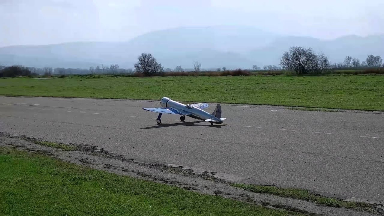 Hughes H-1 RC with Zenoah GT80 - YouTube