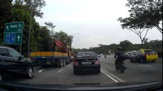Commuters Scoop up Cash on Singapore Highway 3 Aug 2015