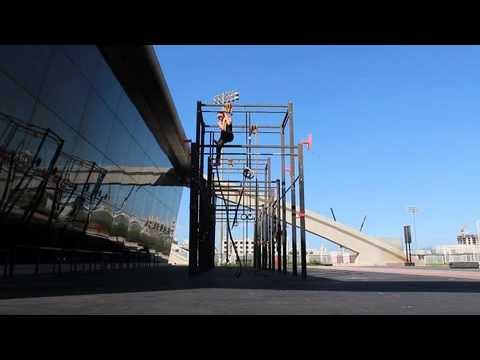 Rope climbing at Fit Republik, Dubai