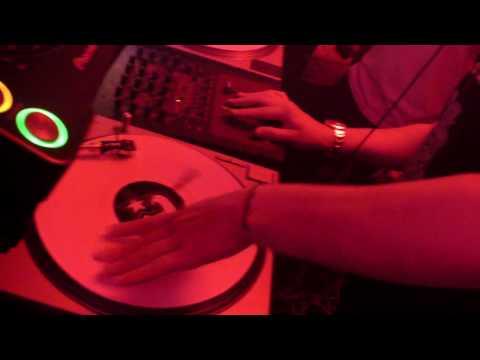 DJ AM - GLEN GLEN TALKIN TO YOU GLEN GLEN - LIVE @ BANANA SPLIT 6.14.09