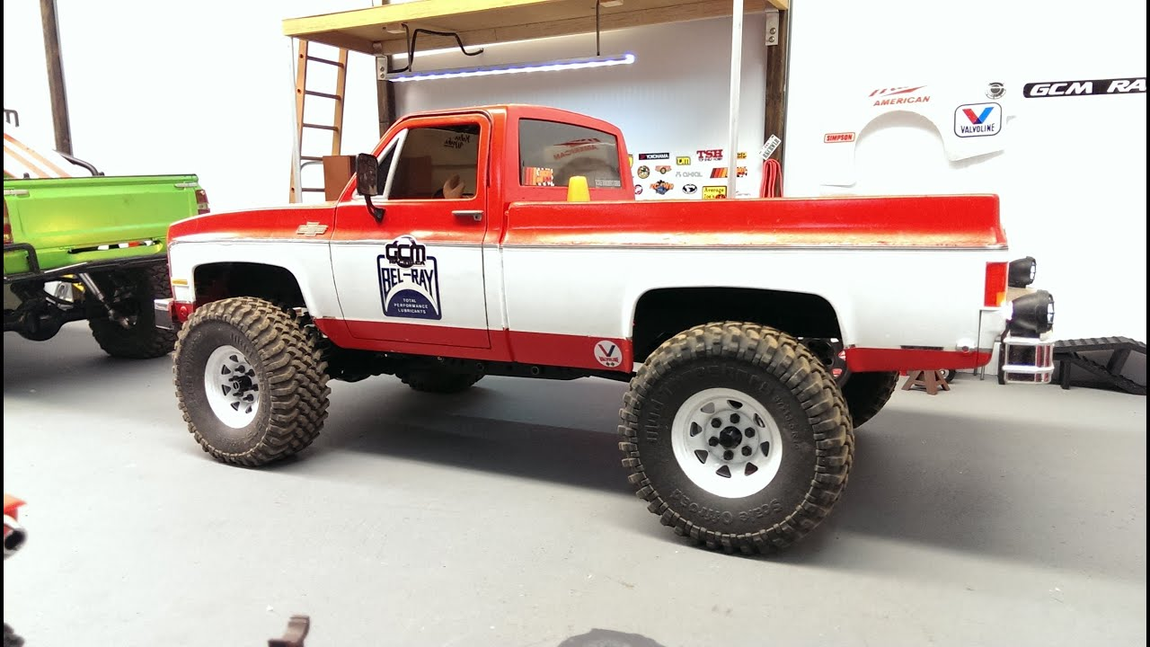 Scalegarage Rig Review 1983 Chevy C10 Skeleton Build