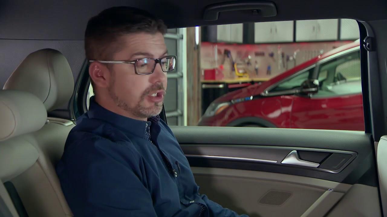 Chevrolet Bolt Premier 2018 & Volkswagen e golf 2018
