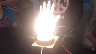Homemade light bulb made in various containers/// Homemade Science with Bruce Yeany