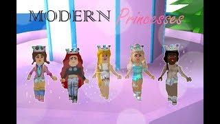 👑 Disney Princesses as MODERN TEENAGERS 📱| Roblox: 🏰 Royale High 🏰