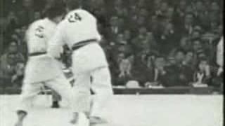 Judo Tokyo 1964: Matos (POR) - Okano (JPN)