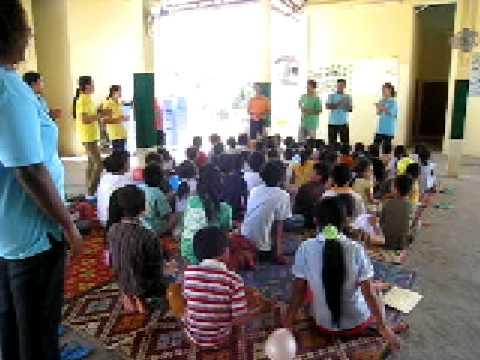 PURC IS TRIP 08/09 愛在柬埔寨 - 禮賢之家 - 小朋友唱歌