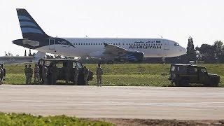 اختطاف طائرة ليبية على متنها 118 ركبا وتحويل مسارها إلى مالطا