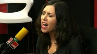 """""""Piensa En Mi"""" par Olivia Ruiz chez Augustin Trapenard"""