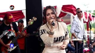 hujan hujan ditemenin Mawar putihnya mbak Tya Agustin - G4NK KUMPO 2019