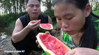 Survival skills: Primitive life finding food meet big watermelon natural - fruit Eating delicious