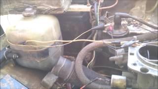 видео Почему двигатель машины глохнет при нажатии на педаль газа?