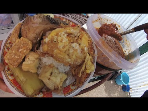 Indonesia Surabaya Street Food 1951 Part.1 Nasi Ikan P Jualan pake Becak YDXJ0579