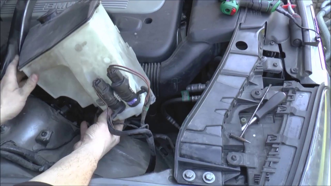 Windscreen Washer Fluid Pump At Fault Bmw X3 Youtube