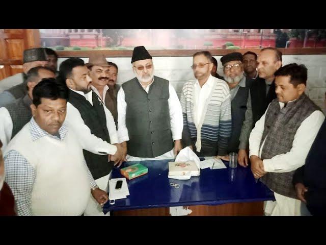 #SP #MP #AzamKhan को #HighCourt से मिली राहत, रामपुर के #सपा_कार्यालय में बंटी मिठाई, ख़ुशी की लहर