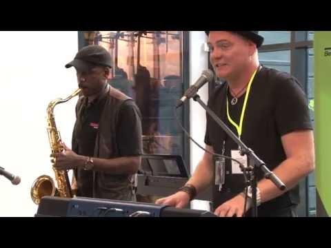 CASIO MZ-X500 Keyboard + Saxophon Jazz Session // MUSIC STORE Hausmesse