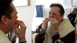 Ростовчанин купил бороду Деда Мороза за 26 тысяч рублей(, 2015-12-16T11:21:49.000Z)