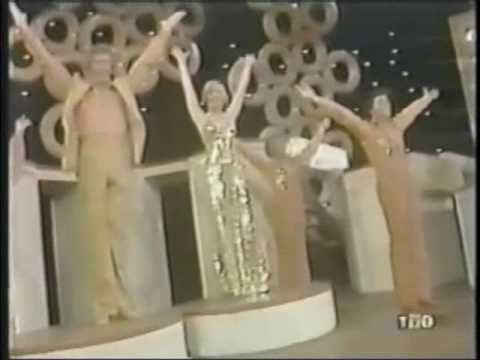 The Brady Bunch - Family Audience from YouTube · Duration:  2 minutes 54 seconds