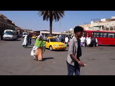 Market And Church In Asmara, Eritrea エリトリア、アスマラのマーケット