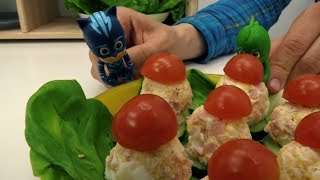Рецепты для детей: ГЕРОИ В МАСКАХ 🎭 готовят вместе с Фёдором грибочки 🍄 Видео с #Кэтбой и #Гекко