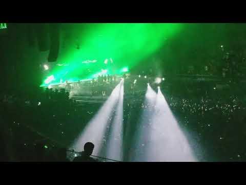 Gorillaz- M1 A1 live @ The Forum