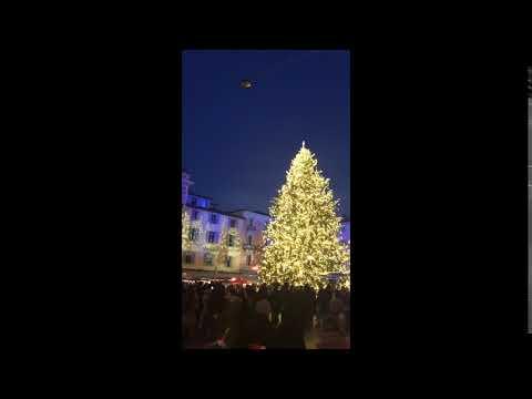 Piazza della Riforma a Lugano durante le feste di Natale