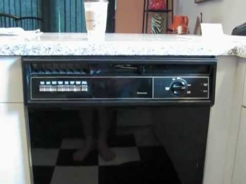 1990 Time Capsole Kitchen With Vintage Kenmore Appliances