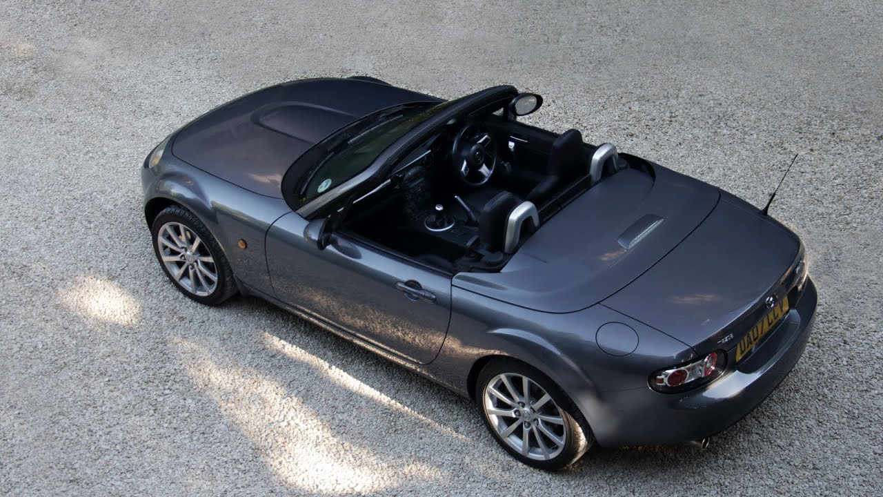 mazda mx5 miata power retractable hardtop operation youtube. Black Bedroom Furniture Sets. Home Design Ideas