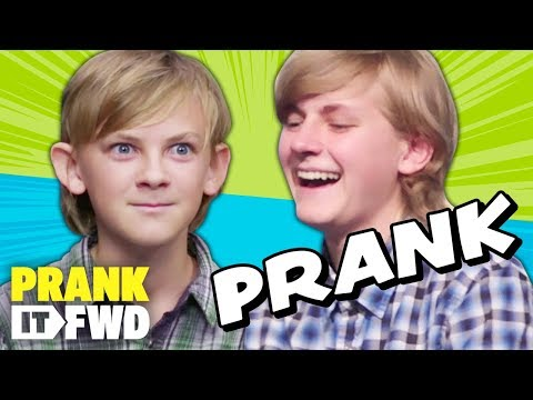 Download Youtube: EPIC CONVENTION PRANK! - Prank It FWD