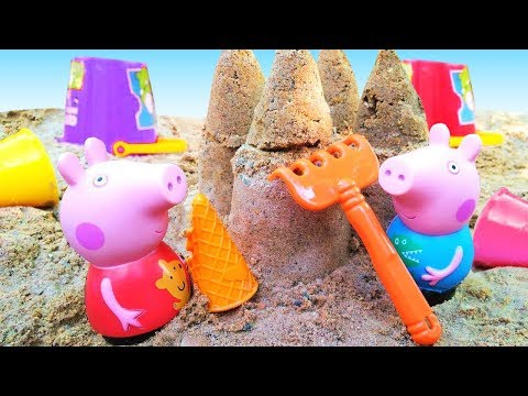 Peppa Pig toys: Peppa and George build a castle.