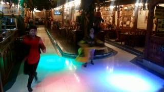 Танцы в ресторане