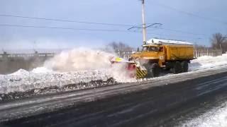 Уборка снега с помощью шнекоротера в г Усть Каменогорск