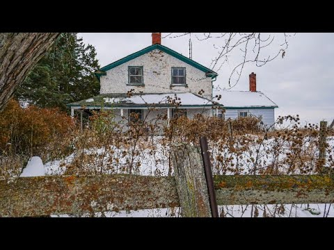 Very Creepy Abandoned House With Everything Left Behind Ontario, Canada. Explore #29