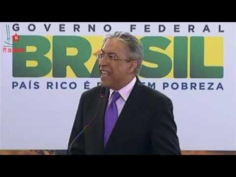 🔴BRONCA! URSULA MOSCOSO CANDIDATA DEL PARTIDO MORADO CUADRA A PHILLIP BUTTERS EN VIVO! from YouTube · Duration:  4 minutes 3 seconds