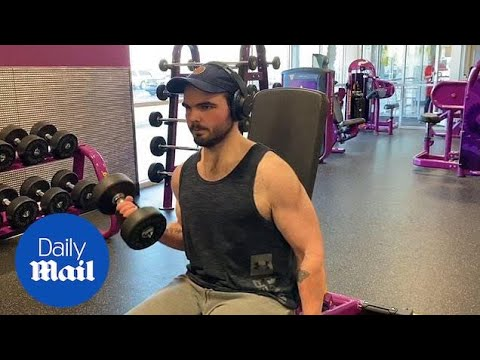 Student who lost 220 pounds shows off workout regime