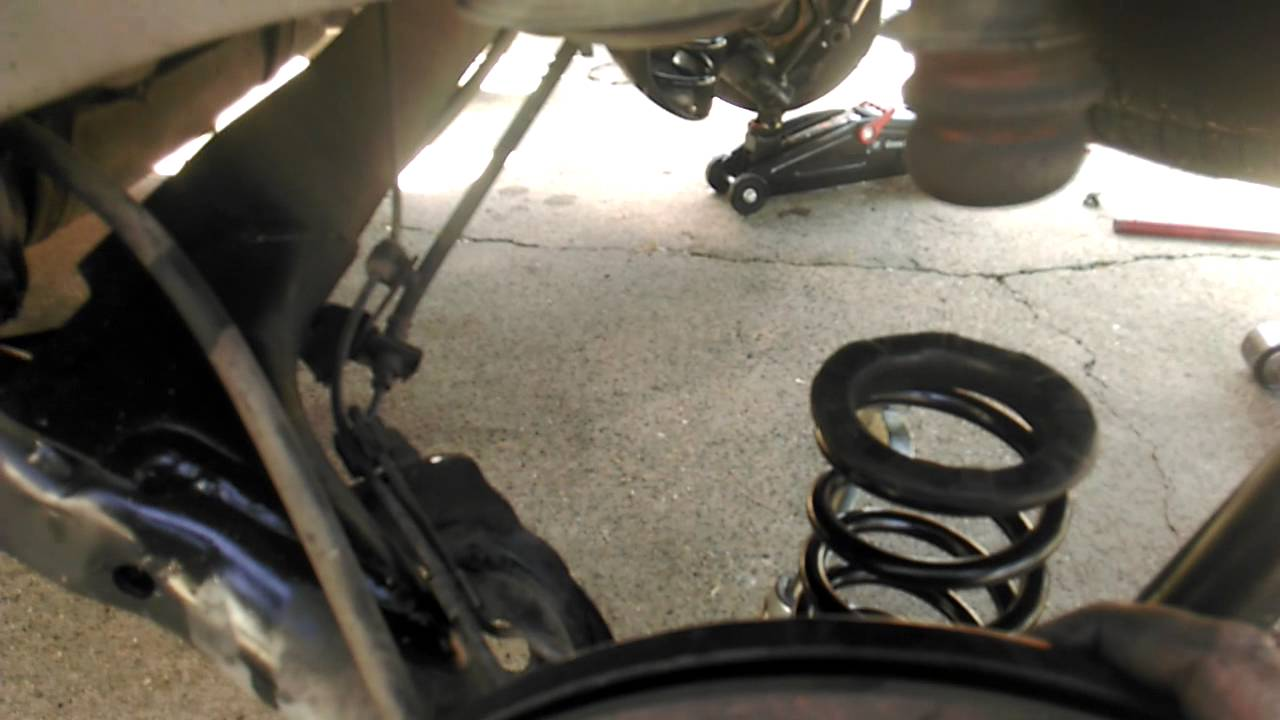 Toyota Sienna 2000 Rear Springs And Shocks Installed Youtube