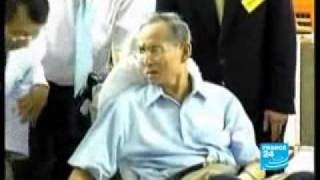 Repeat youtube video Bhumibol the Bully