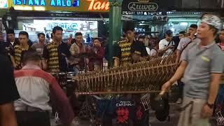 Video Terbaru - JARAN GOYANG - Orang Brebes menggoyang Malioboro bersama Angklung Carehal download MP3, 3GP, MP4, WEBM, AVI, FLV Mei 2018