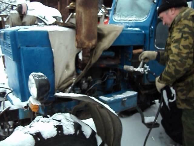 Запуск двигателя трактора МТЗ 80 - YouTube