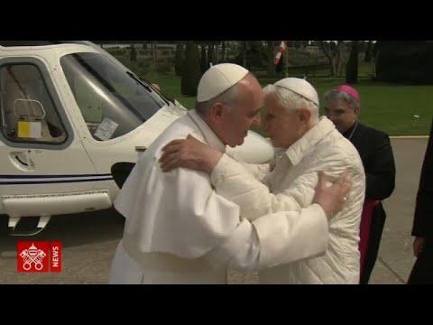 البابا السابق للفاتيكان يؤكد في كتابٍ له معارضته لإنهاء عزوبية القساوسة …  - 17:00-2020 / 1 / 13