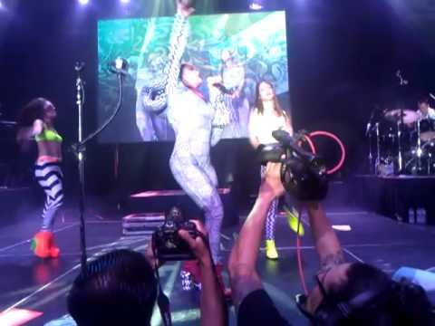 Alejandra Guzman - Mala Hierba live El Paso, TX 9/16/12