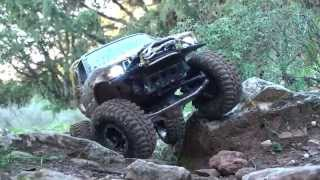 Axial SCX10 Hilux Truggy Trailing Downhill