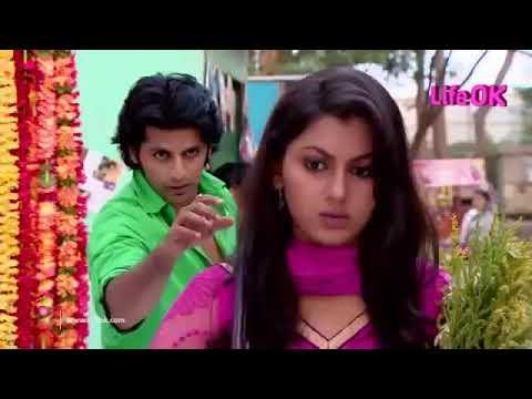 Viraj Stalking Jhanvi   Humein Tumse Pyar Kitna Tone Played In Background