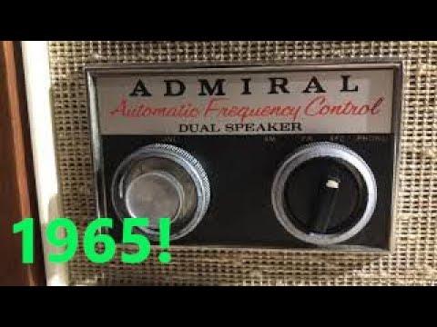 Vintage 1960s Admiral tube radio demonstration