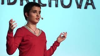 Od břehu ke břehu - od DMO k jedinečné svobodě | Petra Fridrichová | TEDxPragueWomen