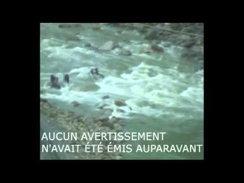 La noyade filmée de 24 étudiants emportés par les eaux