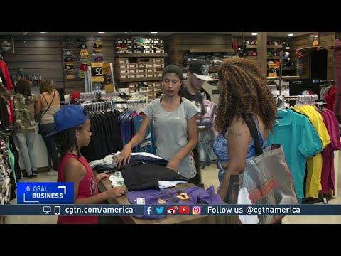 Christmas shopping season is an early gift for Brazil job hunters